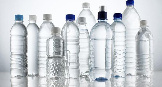 PETG (Polyethylene Terephthalate Glycol-modified), termoplastik bir malzemedir. Meşrubat, yiyecek ve içecek kapları, mutfak gereçleri, kurabiye kalıpları ve sentetik fiber gibi kullanım alanları vardır.